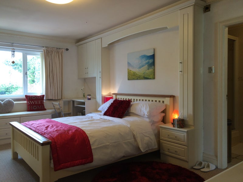 AMAZING room with ensuite bathroom Room to Rent from SpareRoom – Bedroom En Suite