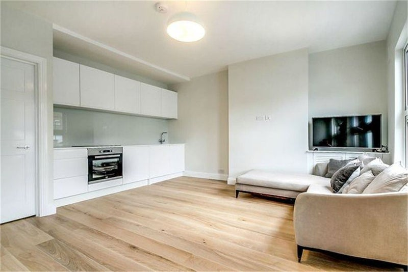 Double Room with bathroom (2 bed 2 bath flat) Main Photo