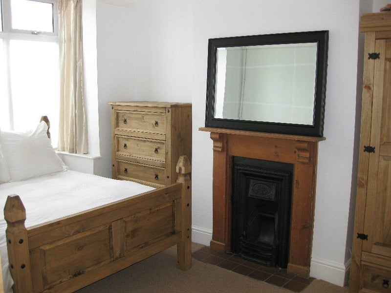 Double room to rent in professional house  Main Photo