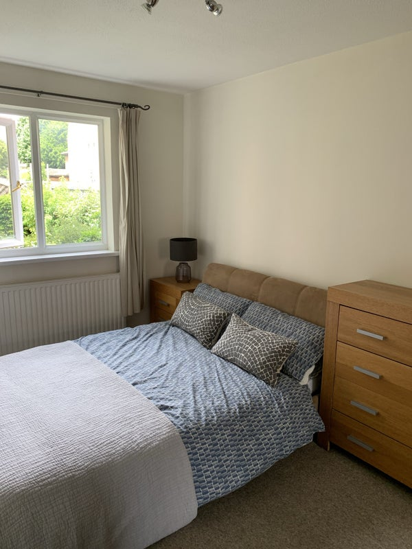 Quiet double room in the centre of Chiswick Main Photo
