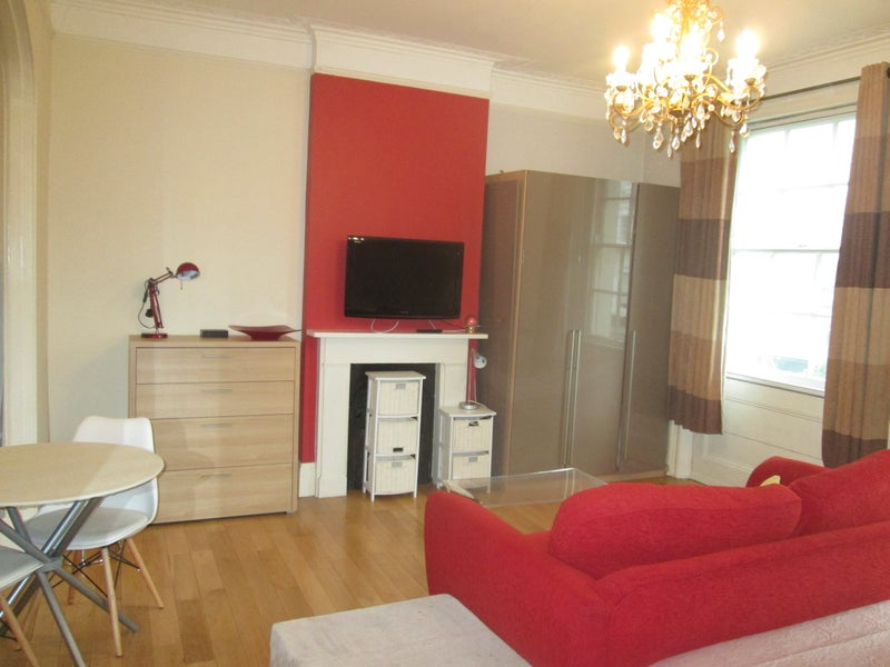 Short Term./ Notting Hill Gate / Studio  apartment Main Photo