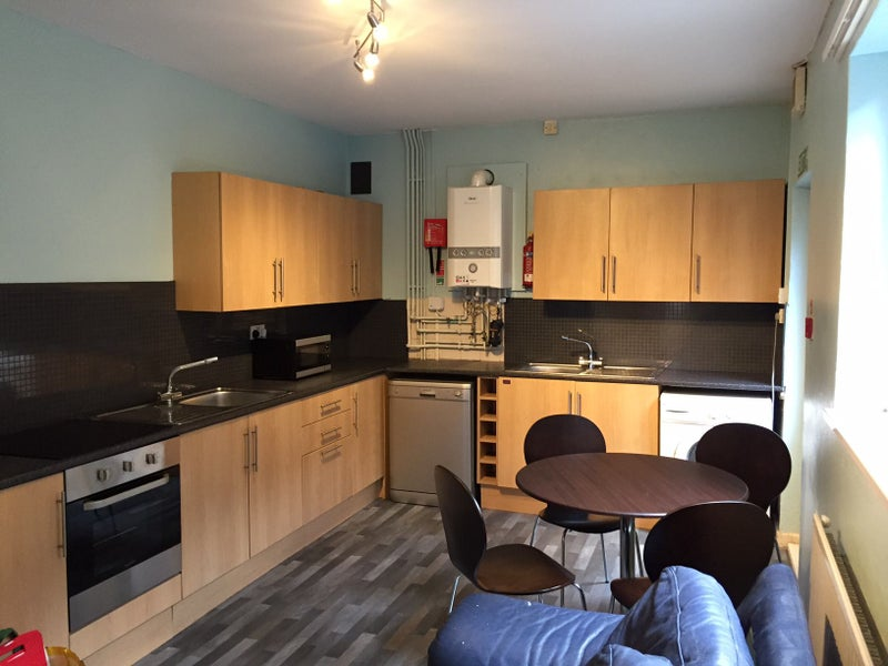 One Room Available in 3Rd Year/Postgrad Houseshare Main Photo