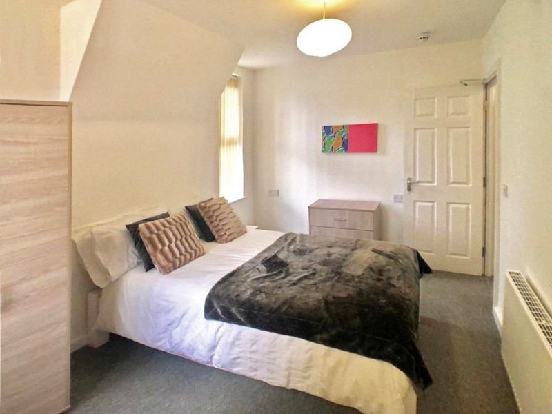 ***Double Room with En-Suite Available Now*** Main Photo