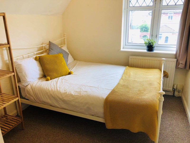 Compact Double-Bedminster Main Photo