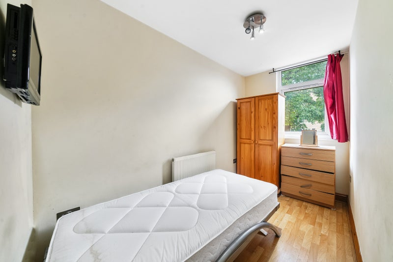 August Price Offer: Single Bedroom in Maida Vale   Main Photo
