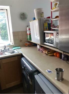 One Bed Flat with Airy View and Communal Gardens Main Photo