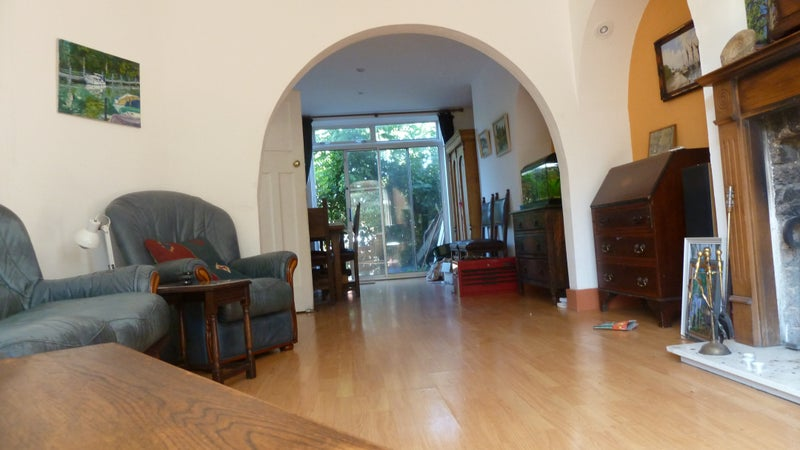 Small double in friendly house  Main Photo