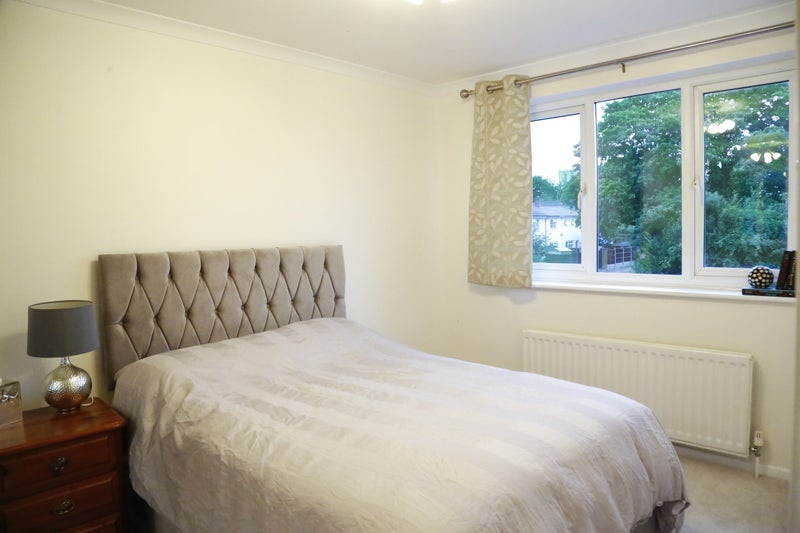 Newly refurbed house in Old Town Stevenage Main Photo