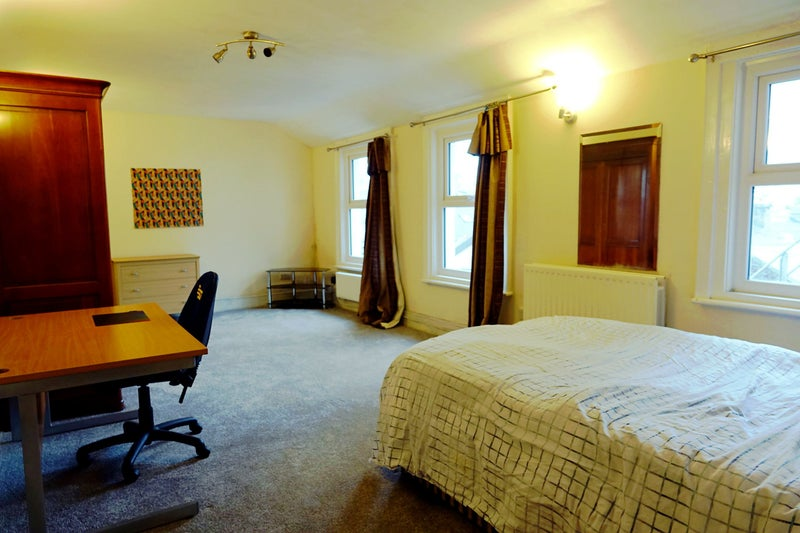 Large Room in Friendly House Share Main Photo