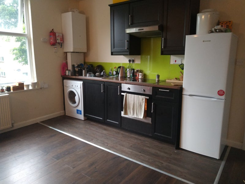 Spatious one bed flat in Headingley Main Photo