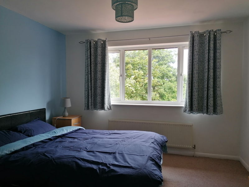 Available now! Single and double room to rent.  Main Photo