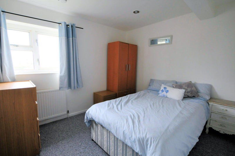 Two double rooms to let in shared house. Main Photo