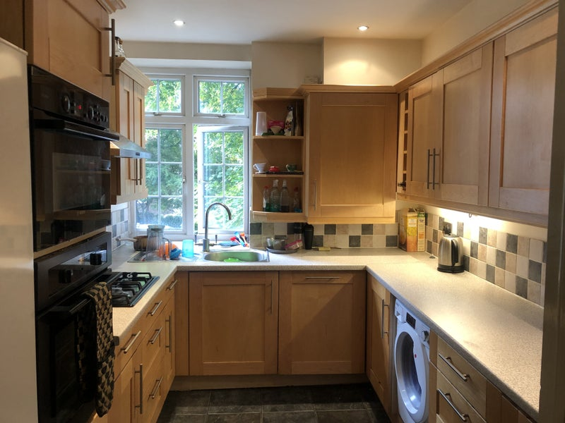 Furnished Dbl room in lovely & spacious 2 bed flat Main Photo