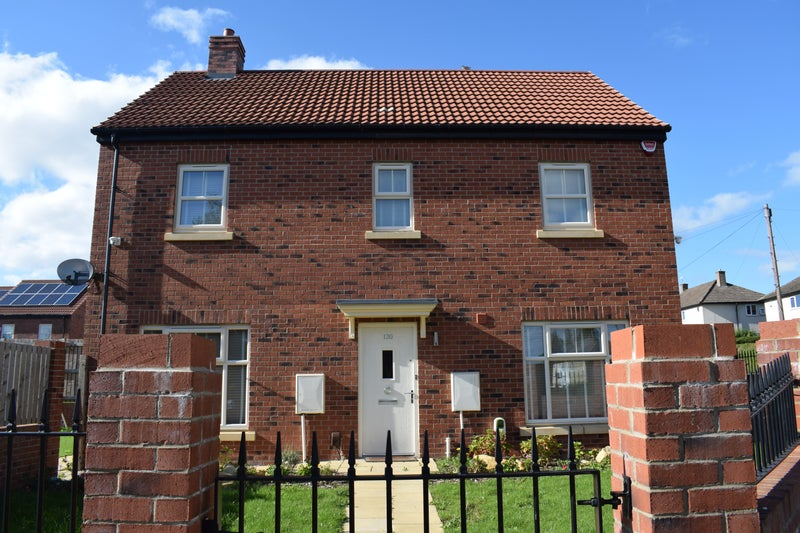 Single & Double Rooms Available - Leeds Houseshare Main Photo