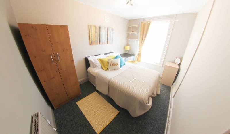 Fab Double Room Available Main Photo