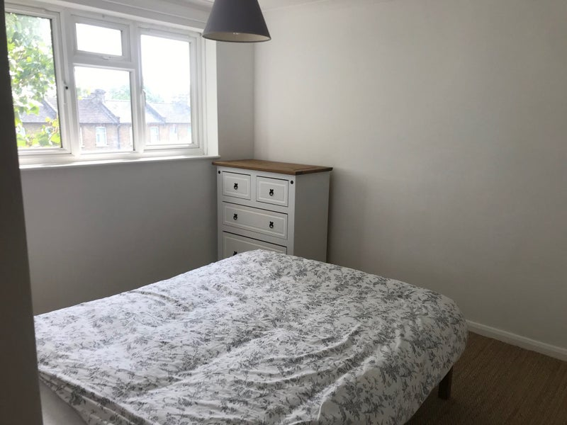 Double Room. All Bills inc. Newly Redecorated.  Main Photo