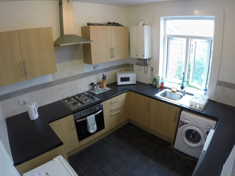 Room To Let - Balby Doncaster Main Photo