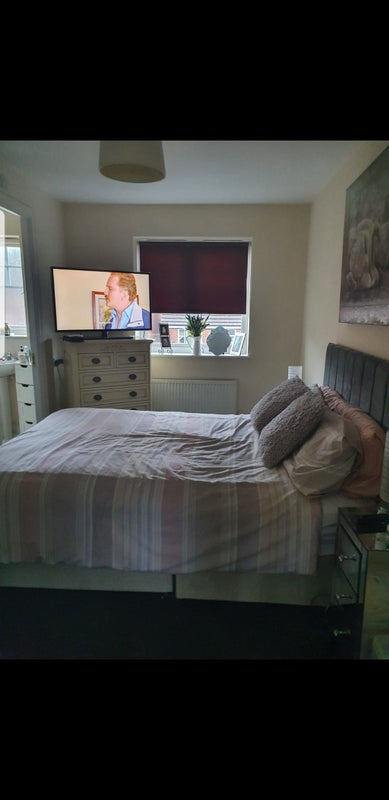 Large double room available  Main Photo