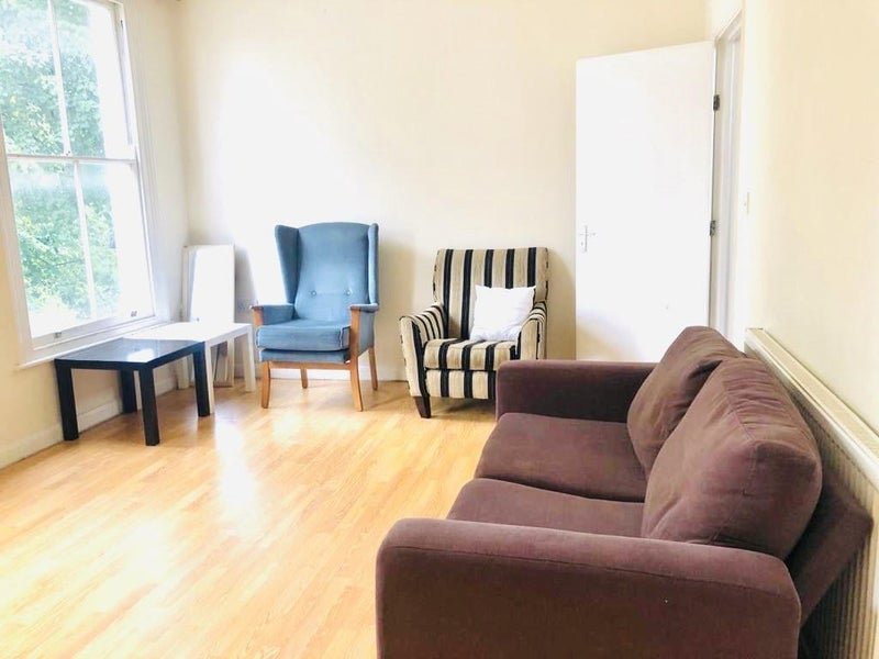 Spacious 3 Bed Maisonette FLAT Canonbury ST. Main Photo