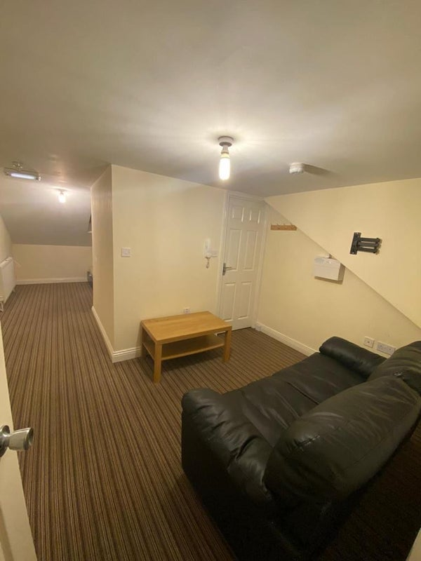 1 Bedroom Flat Available in Coventry  Main Photo