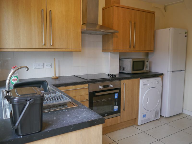 4 Bed to rent Sir Henry Parkes 5 min to Uni Main Photo