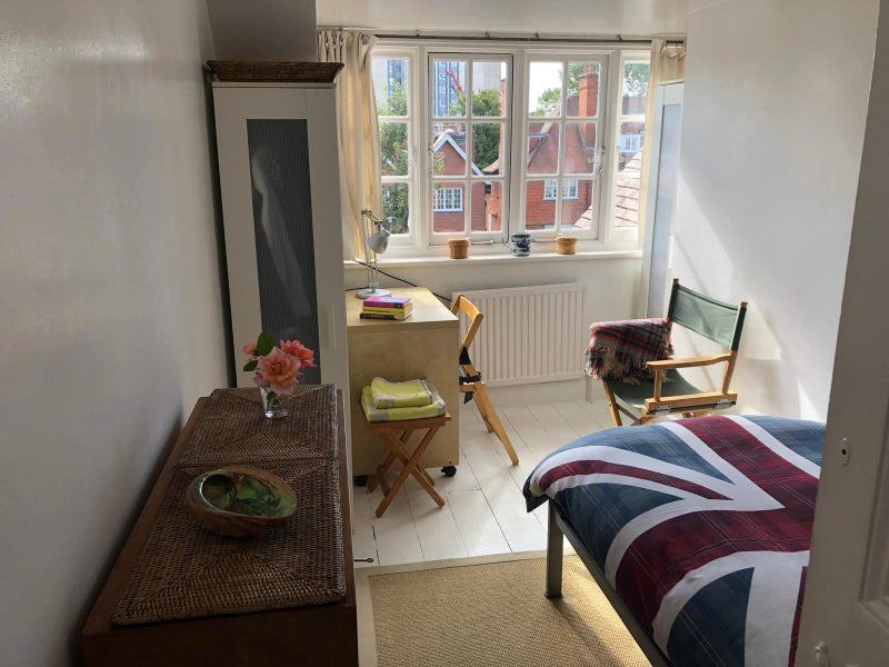Room available in Victorian House Main Photo