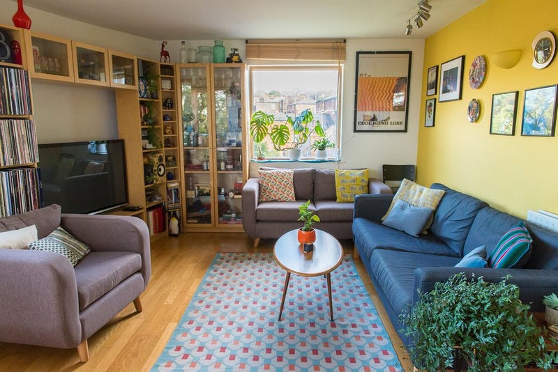 Double available in bright, beautiful, homely home Main Photo