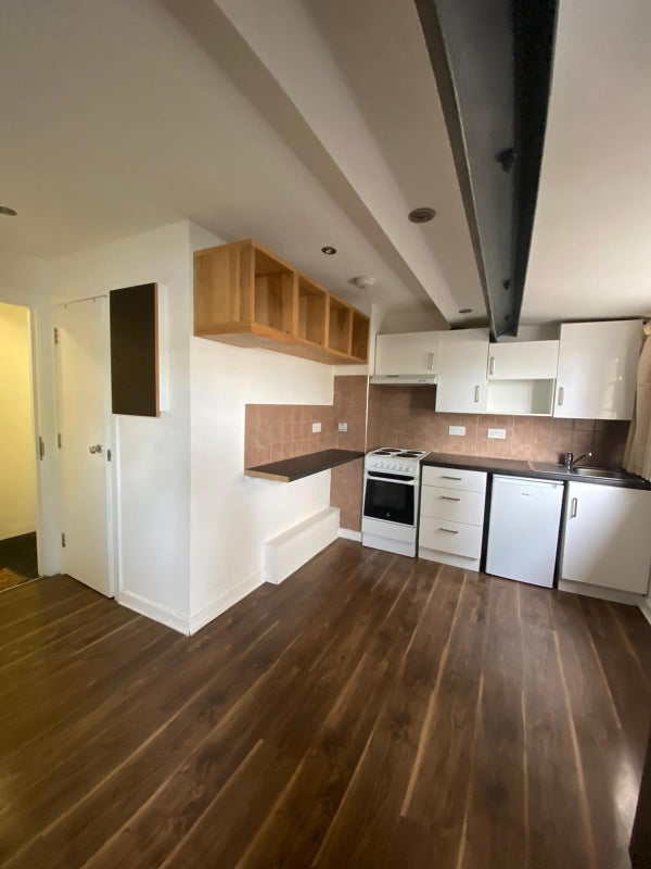 Studio in Penge close to Train Station Main Photo