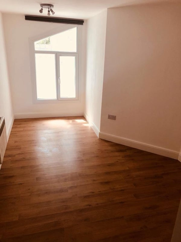 One Bedroom Flat in Eastham Main Photo