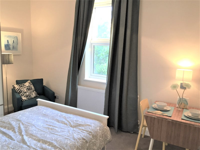 Beautiful Room in Penge Available from 26th Oct! Main Photo