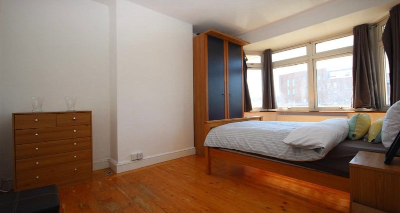 *2x Modern Double bedrooms Fully Furnished ACTON* Main Photo