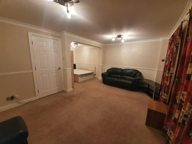 Photo 1: Kingsize room