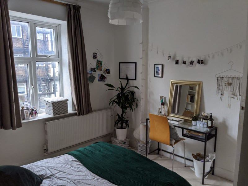 Double room in friendly&spacious flat from Dec/Jan Main Photo