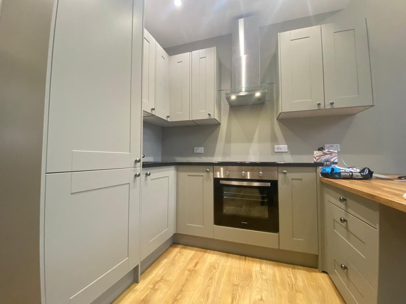 *Hampstead* New Refurbsihed Flat in Secure Gated  Main Photo