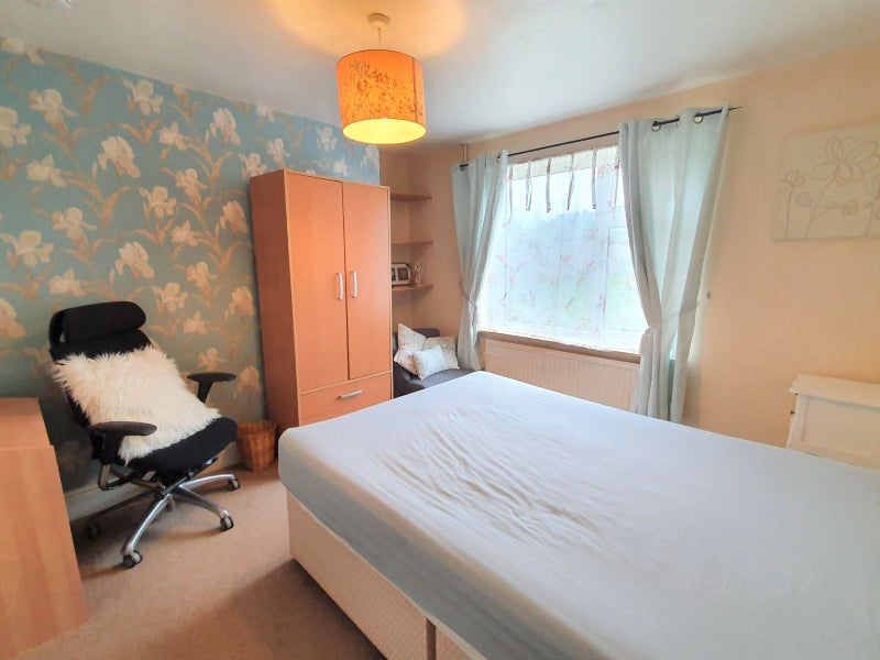 A double room  available with a regular cleaner  Main Photo