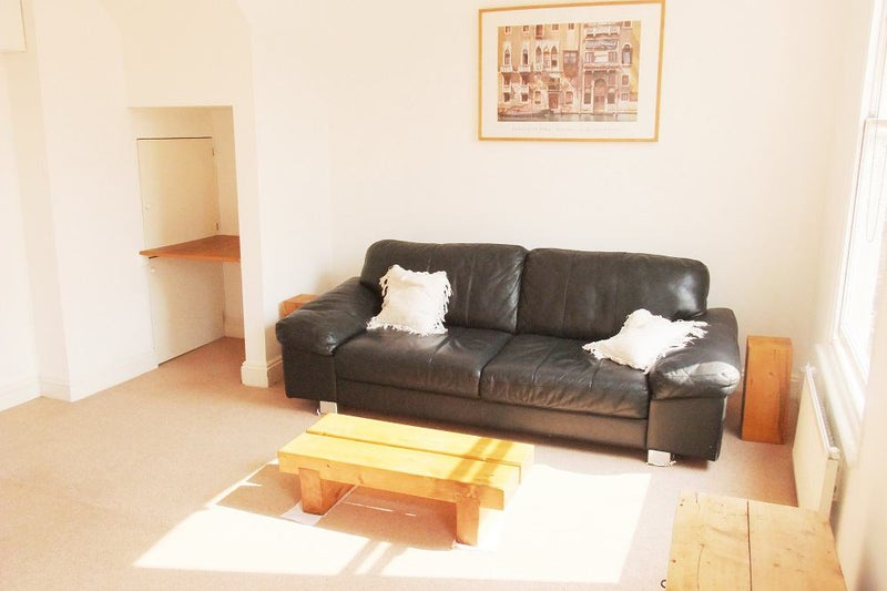 1 Bed Flat In Maida - Vale. W9 Main Photo