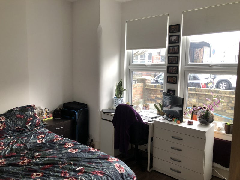Modern, spacious double room in East Finchley Main Photo