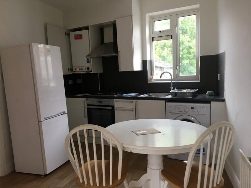 Small 3 bedroom first floor flat DSS Welcome Main Photo