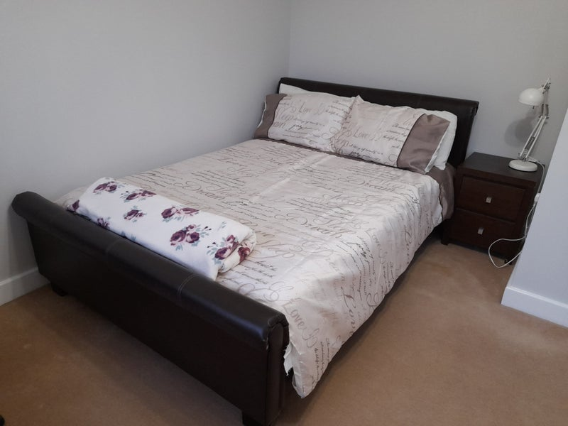 Photo 1: Comfortable double bed