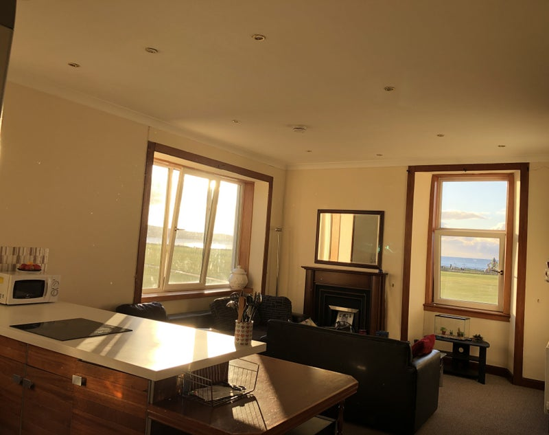 Photo 1: Spacious living with beautiful views