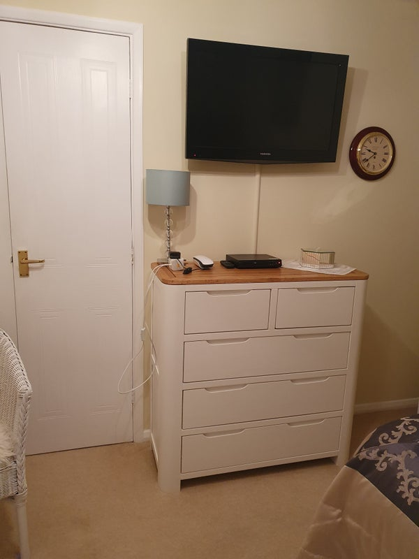 Photo 1: TV and all newly furnished single bedded room