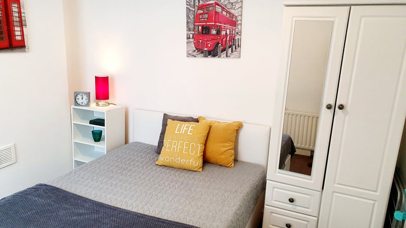 Photo 1: AVAILABLE Room 3 - £350 Monthly ALL bills inc
