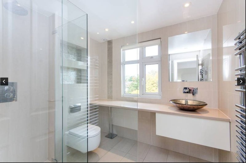 Ensuite Room To Rent In Raynes Park