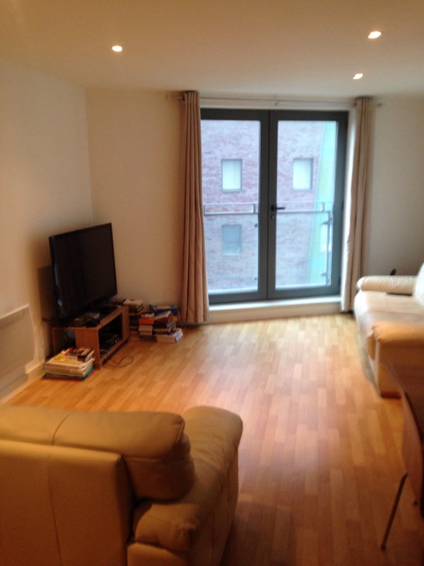 Huge One Bedroom With Secure Parking Flat Room To Rent