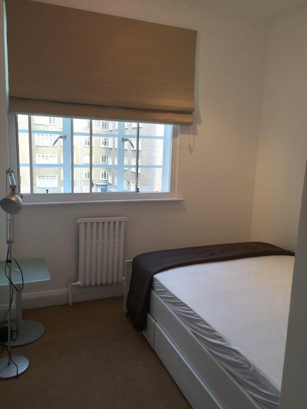 Swiss Cottage Three Spacious Bedrooms Flat Room To