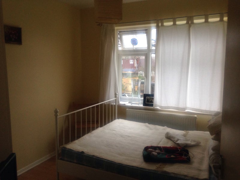 39 Medium Size Double Room 500pcm 39 Room To Rent From Spareroom
