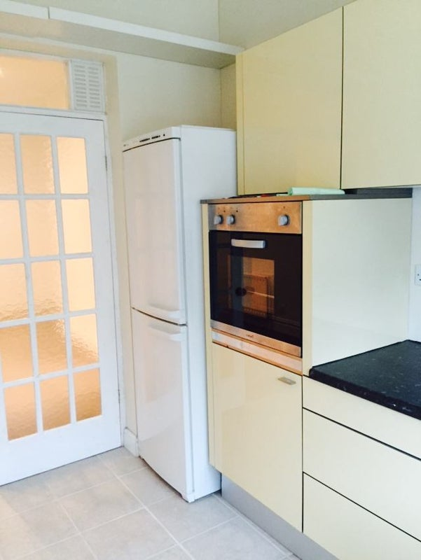 Room To Rent New Malden With Bathroom