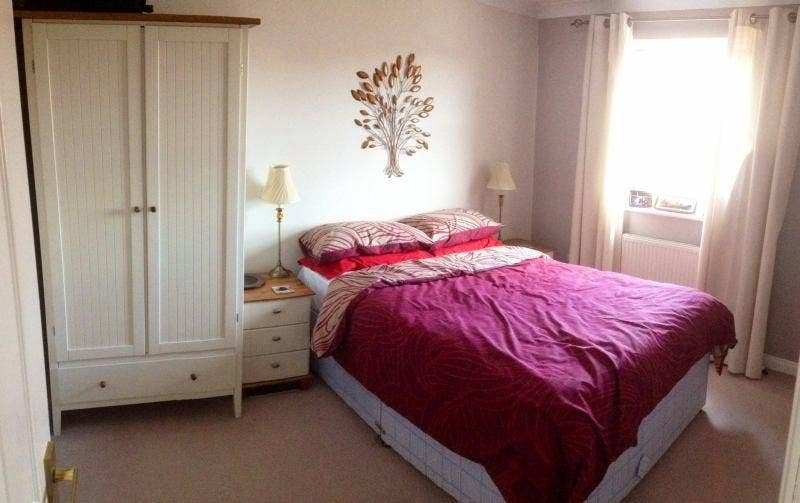 Double room in large modern terraced house Main Photo