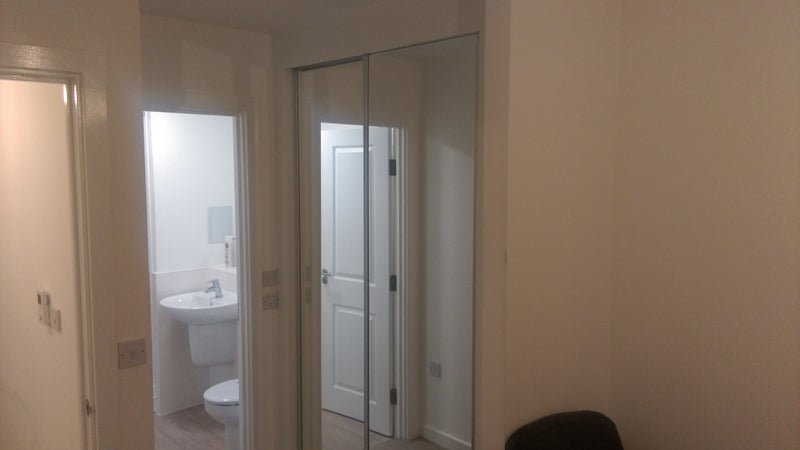 An ensiute double bedroom in a 2 bedroom flat. Main Photo