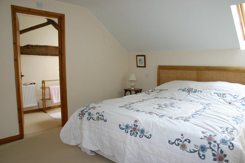 Double Room with ensuite Available Main Photo